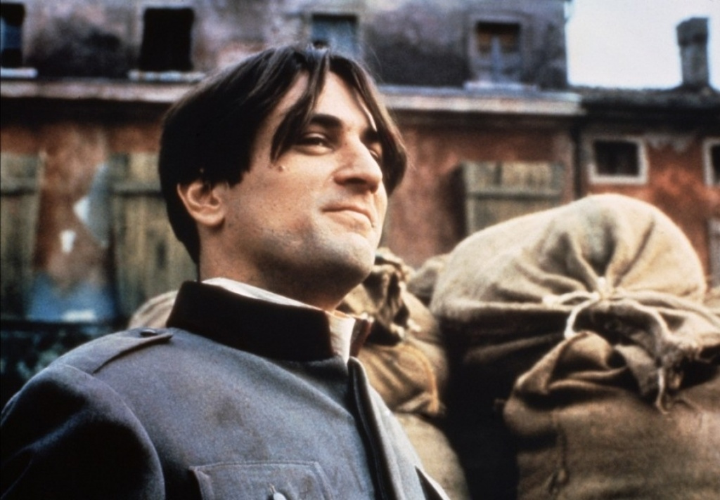 кадр из фильма Двадцатый век